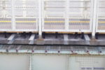 阪神本線で8両運転へ? 武庫川駅ホーム延伸工事(8月編①・通路床面下に鉄骨が追加)