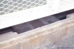 阪神本線で8両運転へ? 武庫川駅ホーム延伸工事(8月編②・通路床面下に鉄骨が追加)
